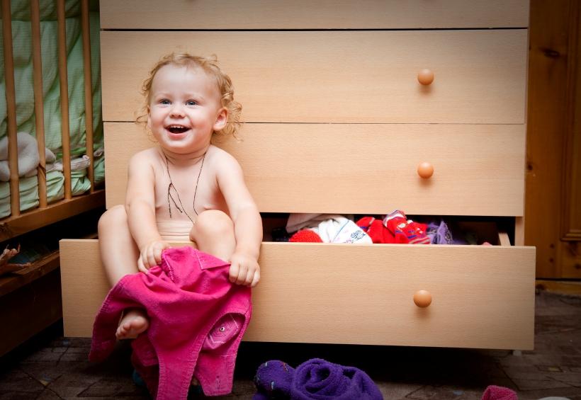Когда ребенок может одеваться самостоятельно в 3 года