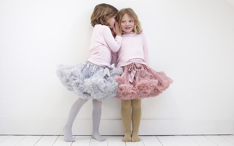 Накрахмалить фатиновые юбки