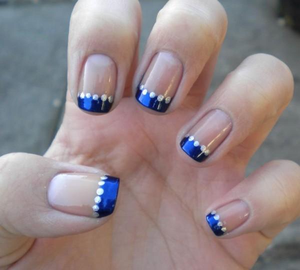 1384181915_blue-manicure-16