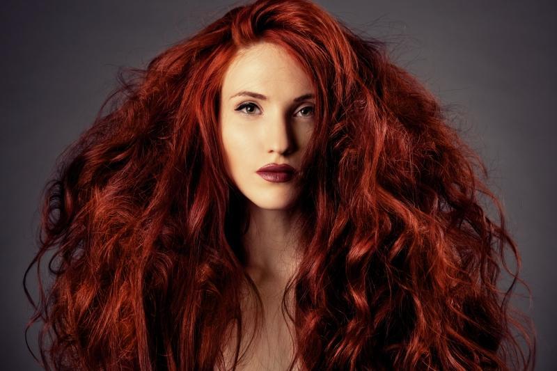 Темно рыжий цвет волос хны
