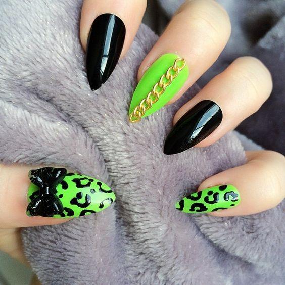 CHerno-zelenyiy-manikyur-v-stile-animal