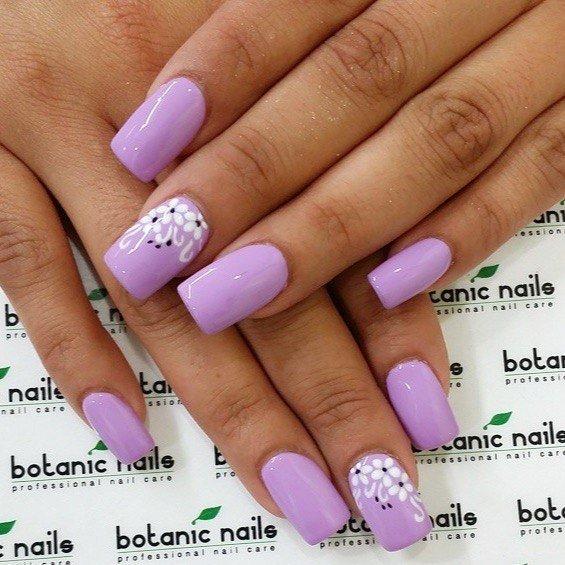 Фиолетовый педикюр гель-лак