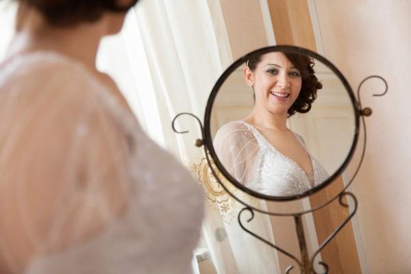 к чему сниться мужчине знакомая в свадебном платье