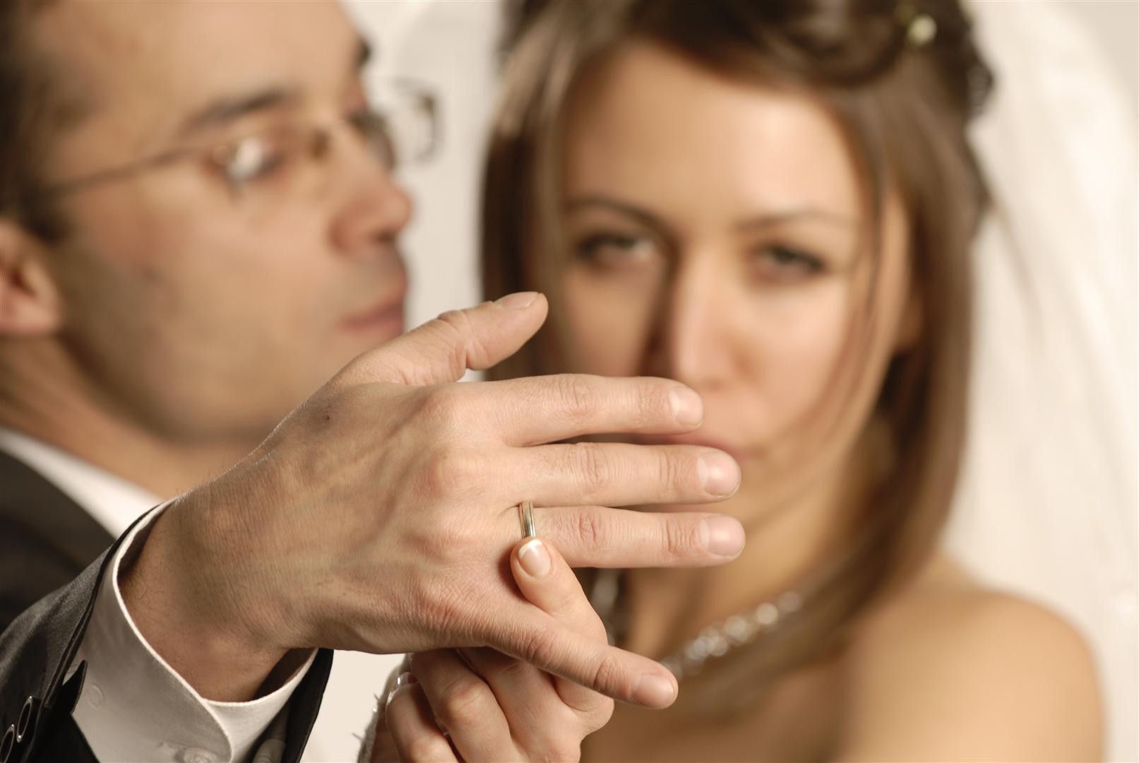 Зачем Женатые Мужчины Знакомятся С Одинокими Женщинами