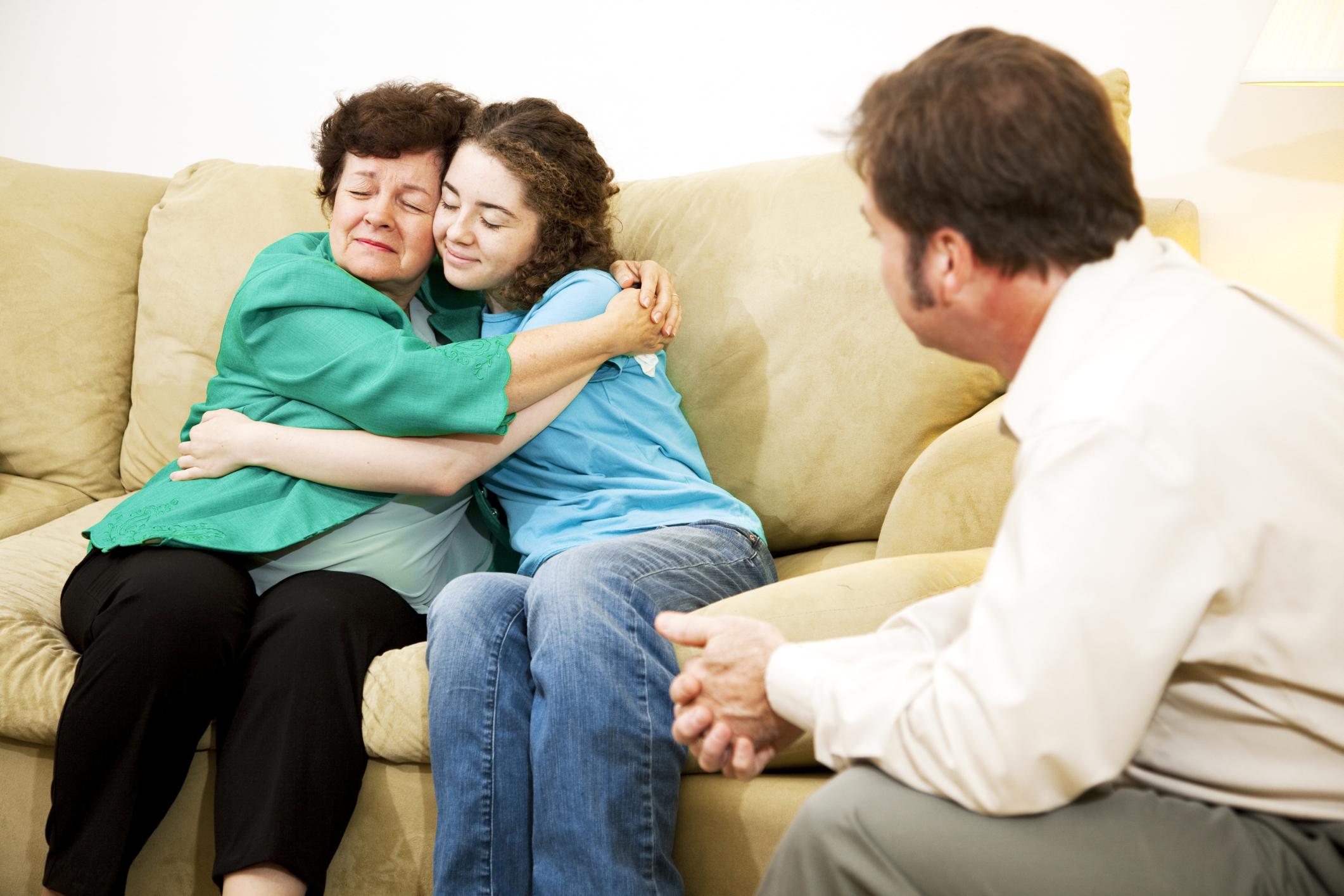 достаточно приемная семья семейное право конфликты установил