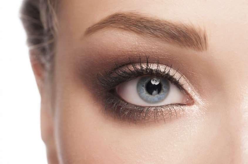 matita-occhi-con-inci-verde