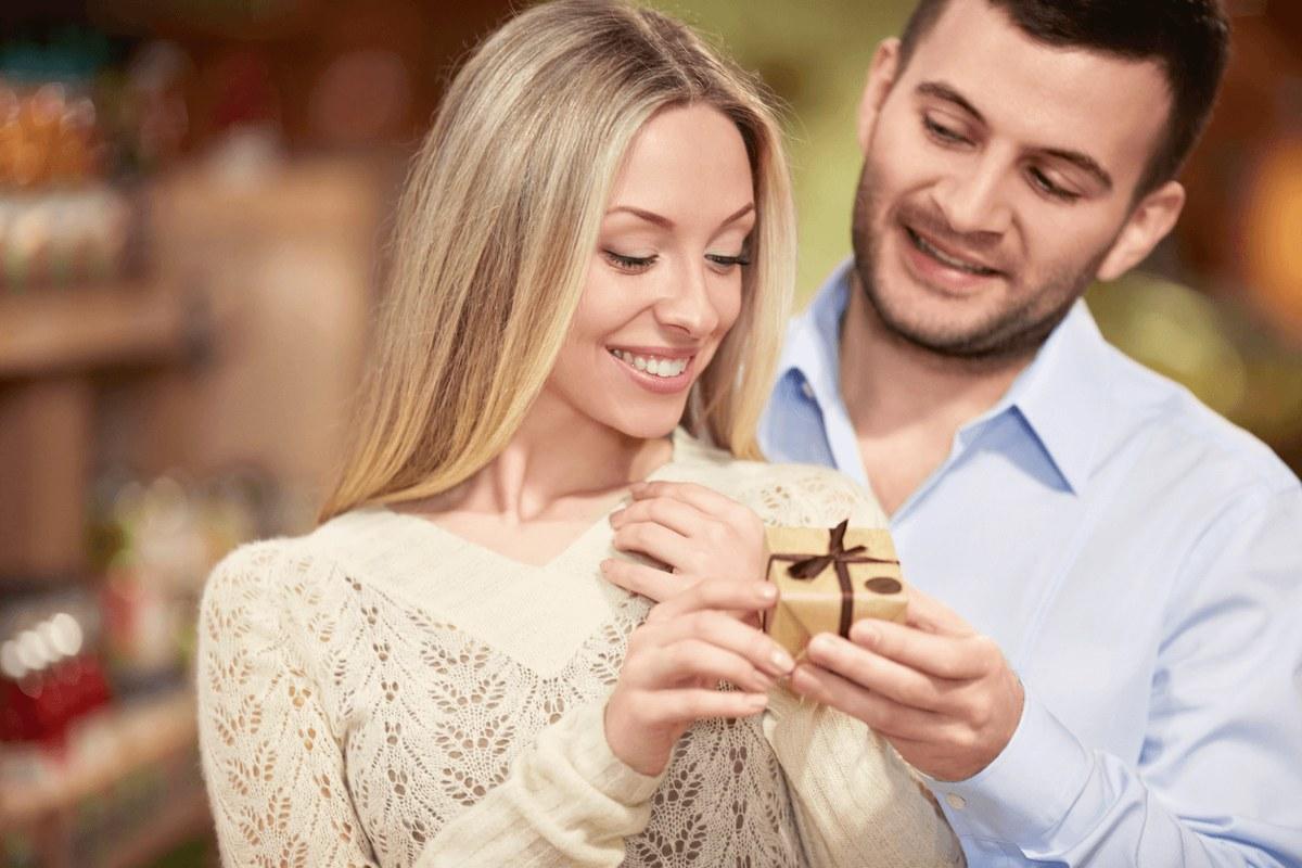 Муж не хочет дарить дорогие подарки
