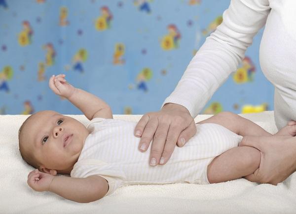 ВЕДУЩИЙ: как бороться с коликами у младенца КПП
