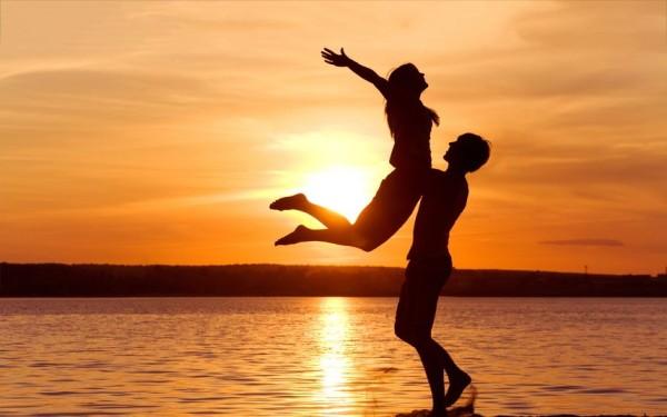 love-beach-sunset-wallpaper
