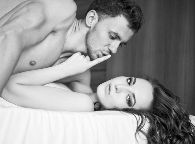 seksualnie-cherno-belie-fotografii