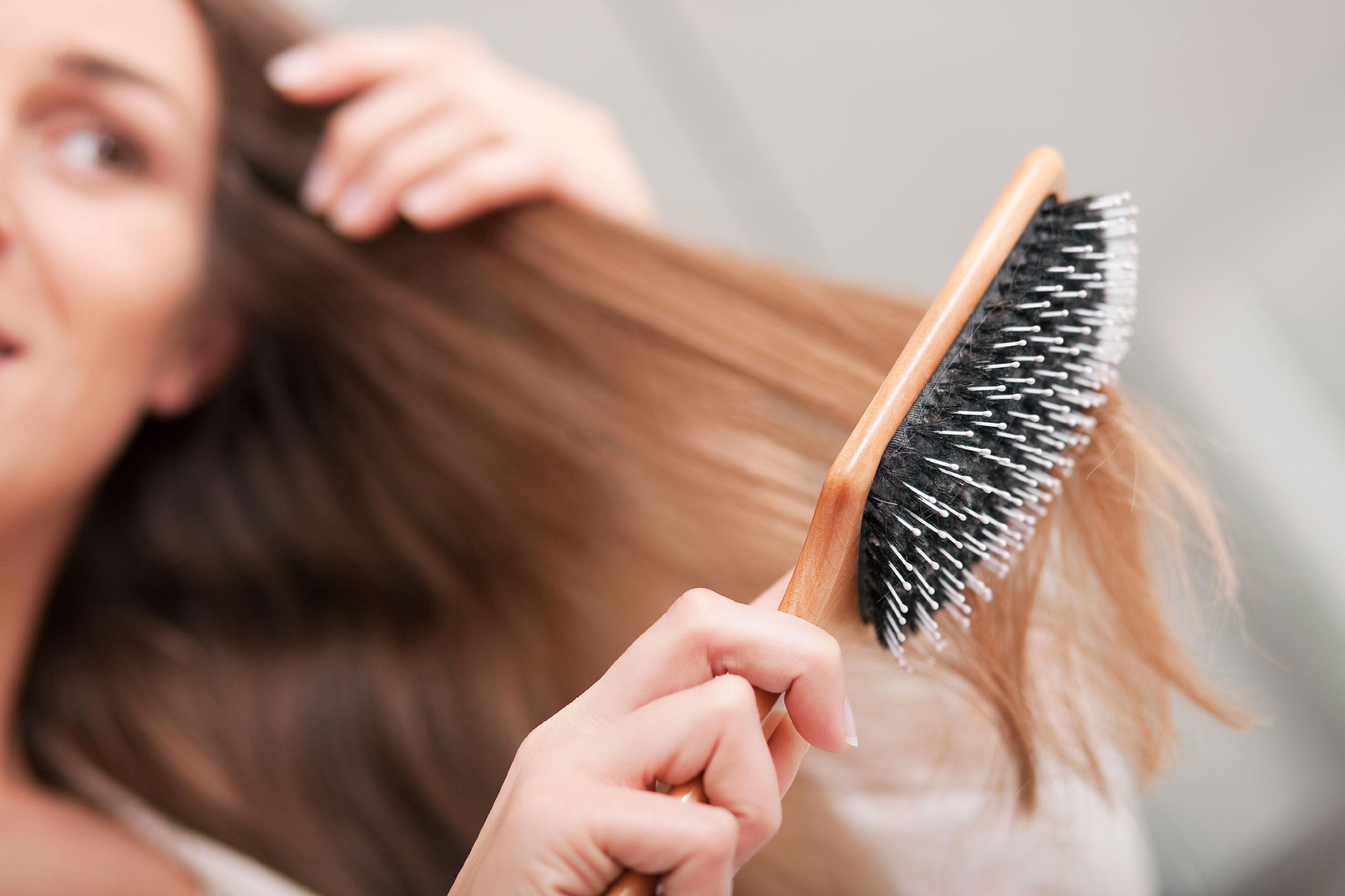 Вырывать волосы на себе во сне