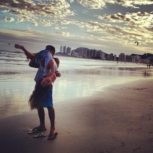 beach-boy-girl-kiss-Favim.com-1605812
