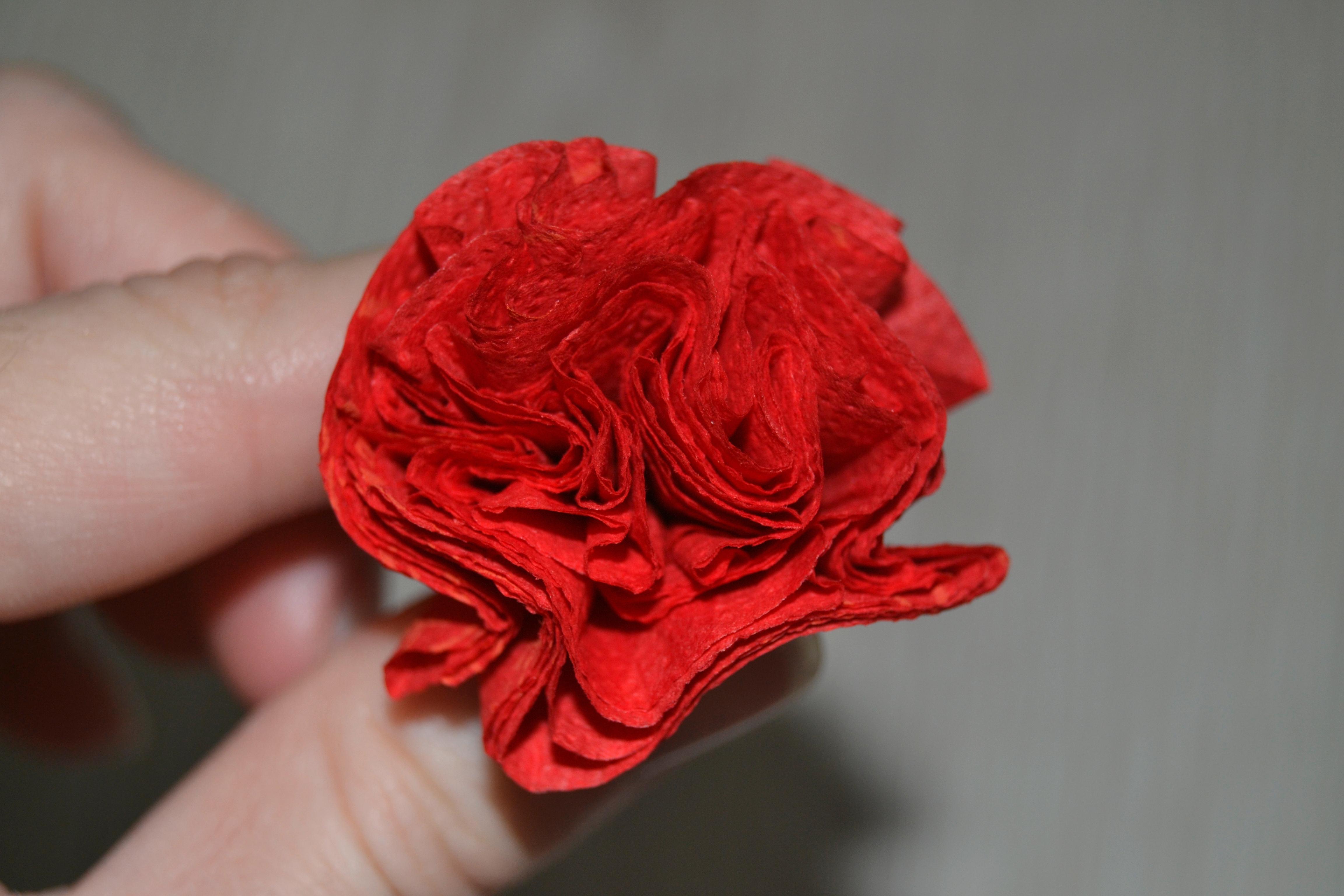 Цветы из салфеток своими руками для начинающих 37