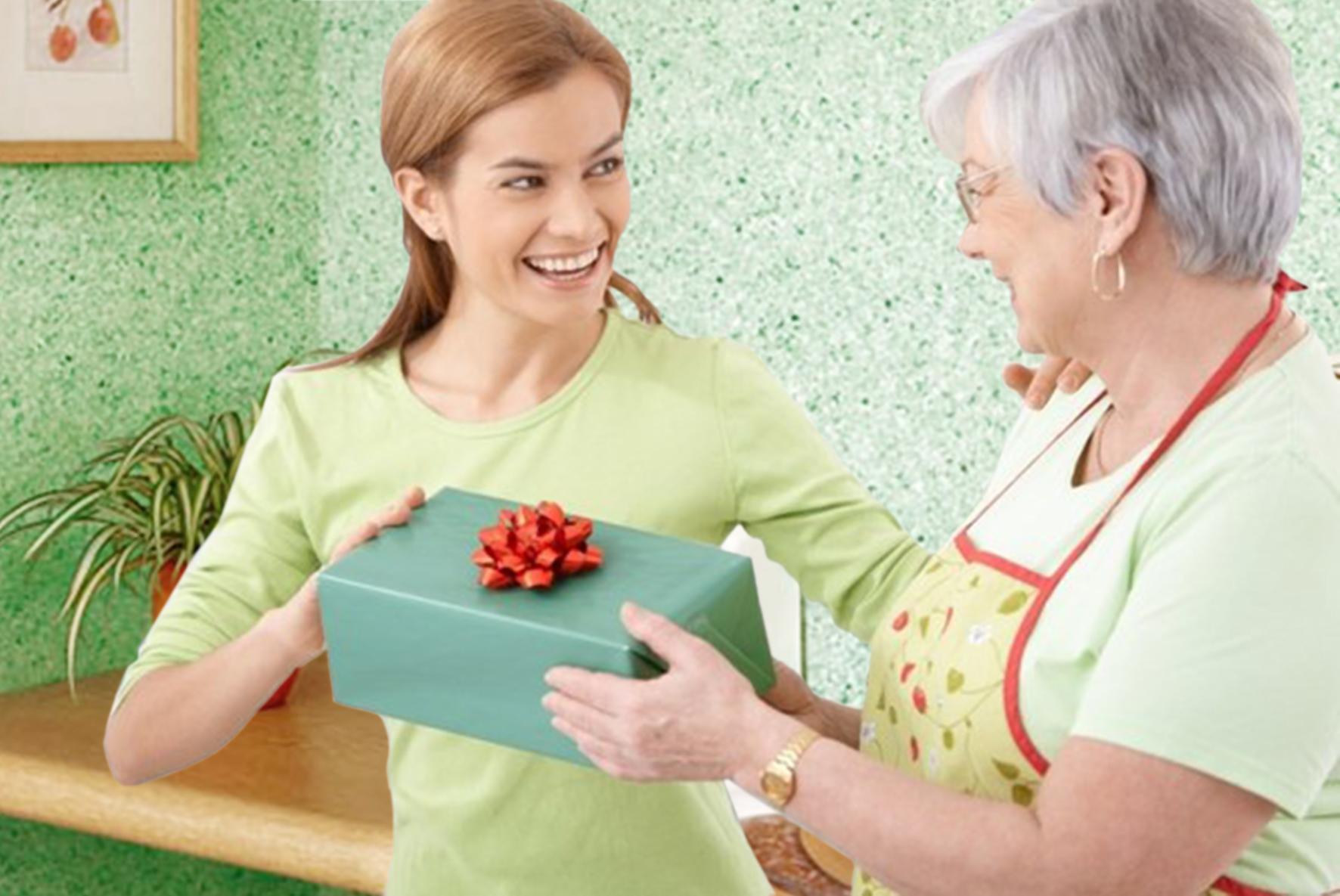 Что подарить на новый год маме от дочки