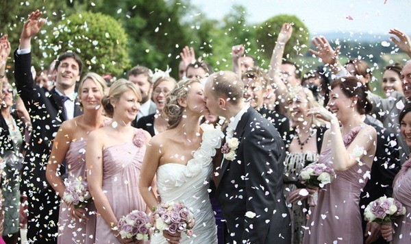 Сценарий-свадьбы-без-тамады-для-самых-близких