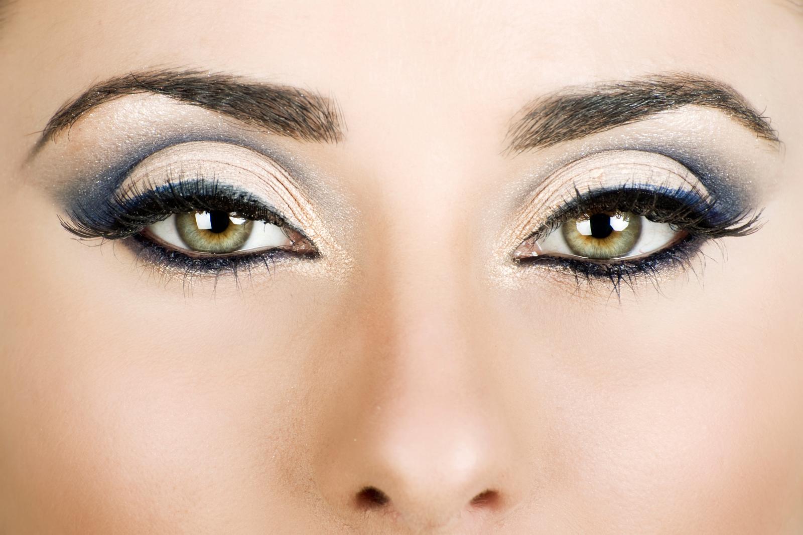 Украшаем зеркало своей души: как накрасить глаза