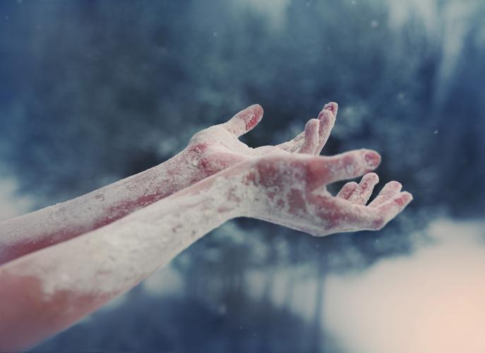 К чему снятся холодные руки своими руками