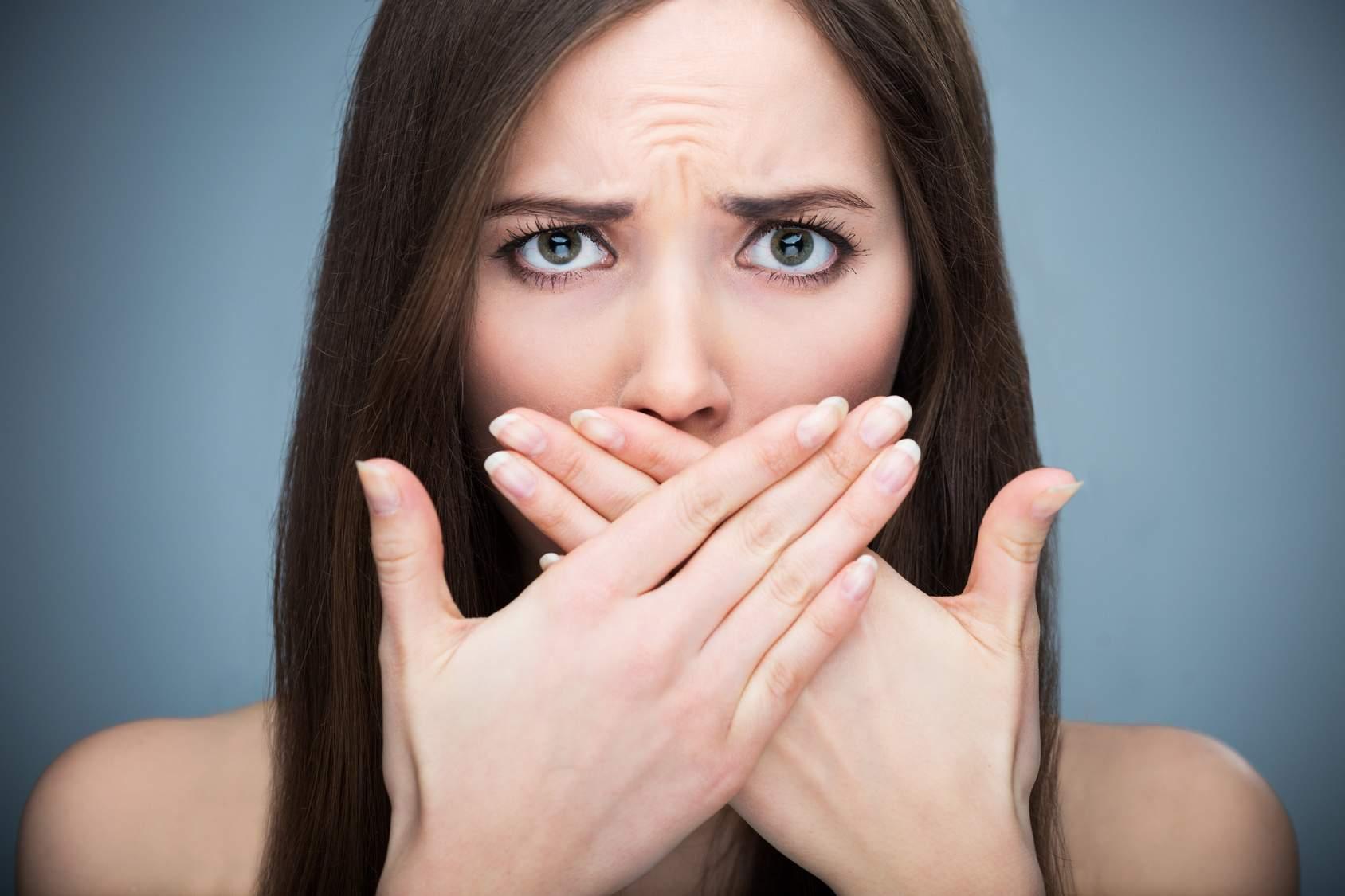 запах изо рта причины и как избавиться