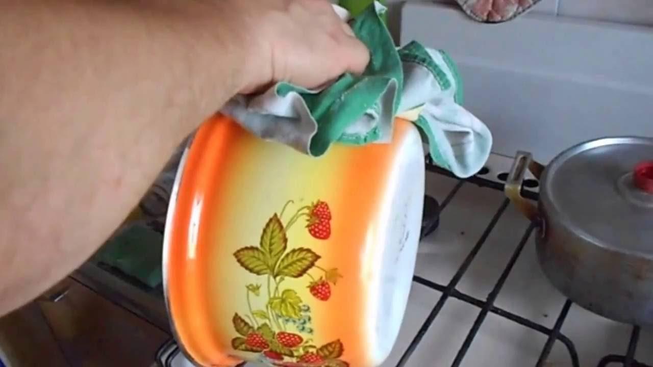 Как отмыть эмалированные кастрюли от нагара в домашних условиях