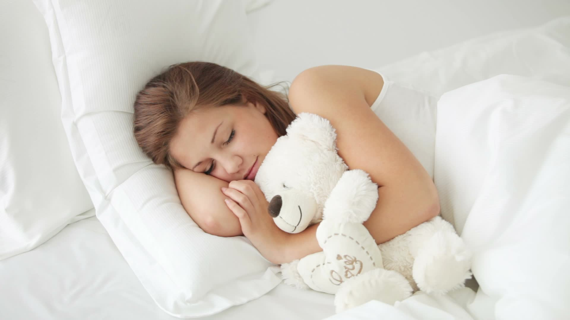 К чему сниться ложиться спать во сне