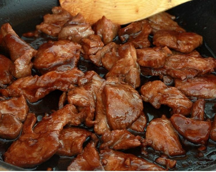Рецепт жареного мяса на сковороде свинина