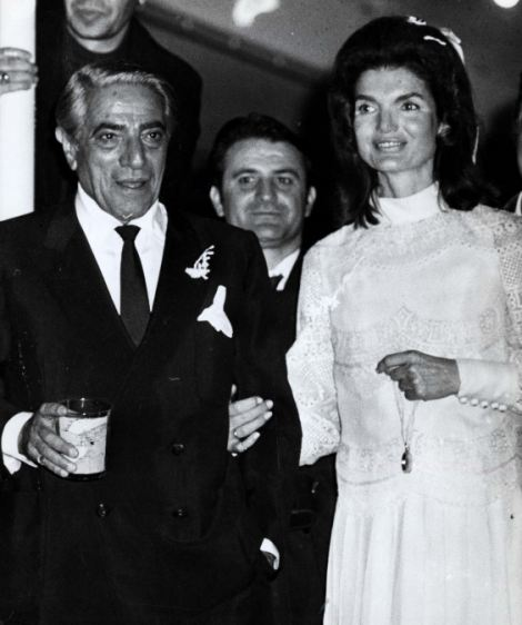 PKT4595-341219 JACQUELINE KENNEDY ONASSIS 1968 Scorpios, Greece: Jacqueline Kennedy Onassis shown with Aristotle Onassis (R) leaving the chapel on his private island following their marriage there Oct. 20, 1968.