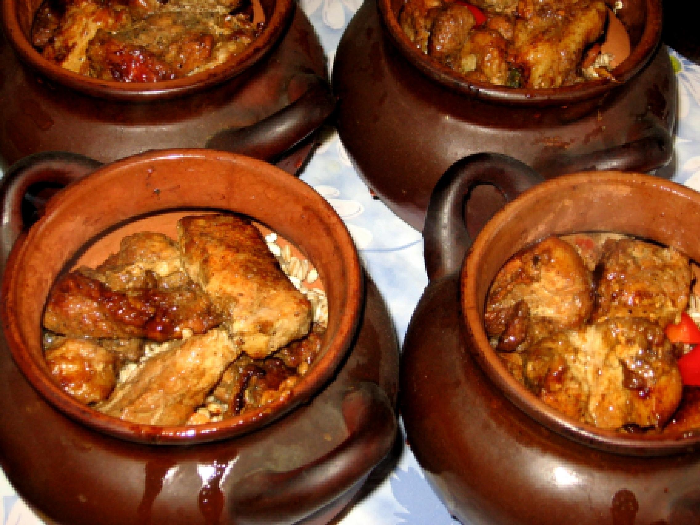 Блюда с мясом в горшочках в духовке рецепты с фото пошагово