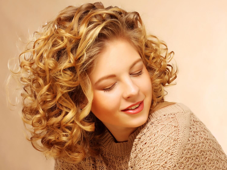 Красивая завивка на средние волосы