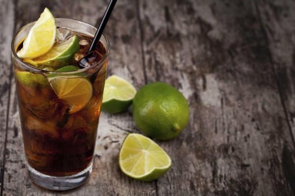 Koktejl-kuba-libre