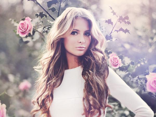 116216570_4059776_Girls_Beautyful_Girls_Beauty_in_roses_035279_