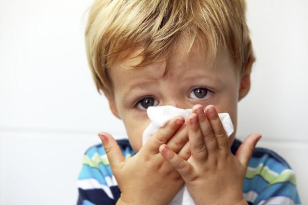 Как лечить сопли у ребенка 5 лет народными средствами