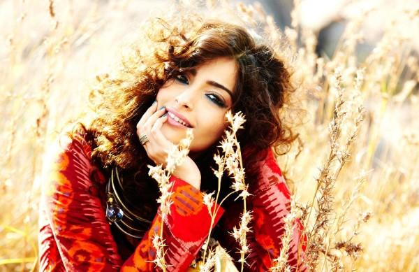 a-beautiful-indian-woman-in-national-dress-13