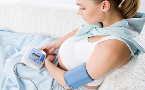 Почему при беременности повышается давление