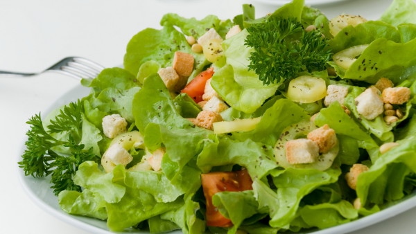 Fresh Summer Salad witch lettuce,Tomato,croutons,Pine Nut