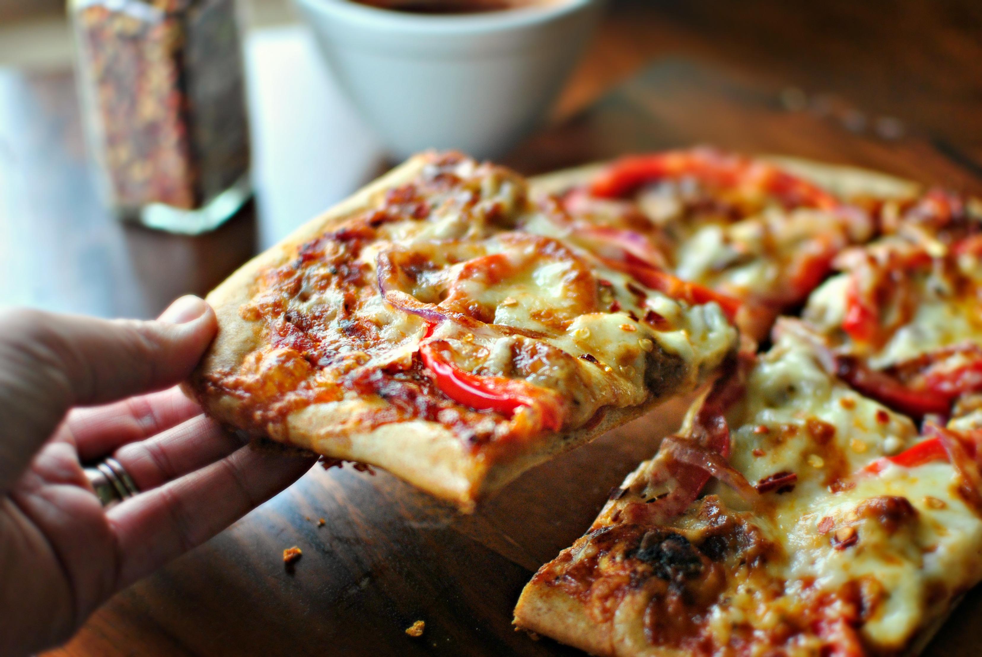 Как сделать пиццу в духовке из сосисок