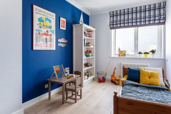 Синие-стены-в-детской