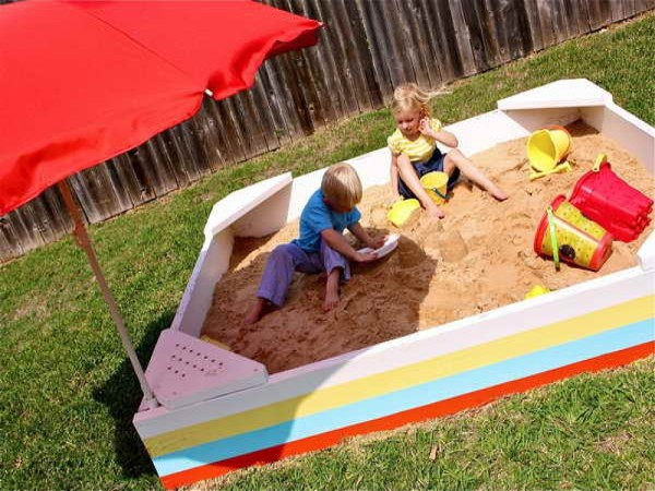 1600x1200-build-a-sandbox-with-red-umbrella