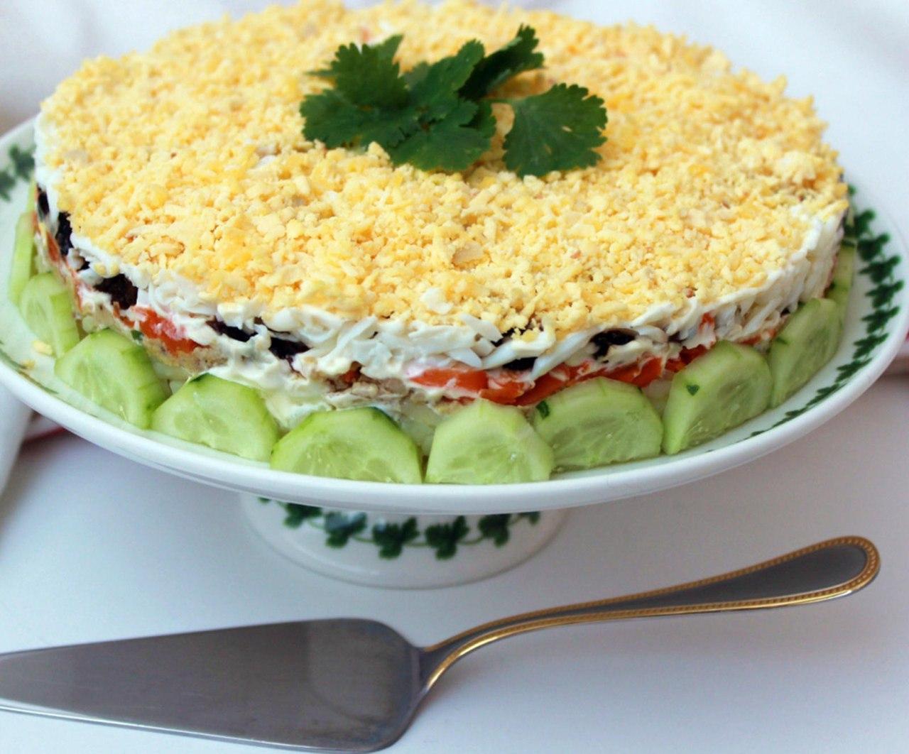 Праздничные салаты слоями рецепты с