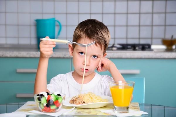 children-dinner-issue-food