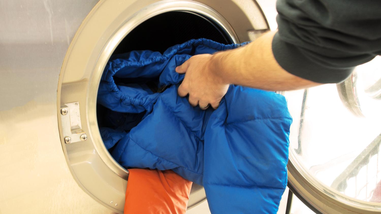Как постирать куртку в домашних условиях