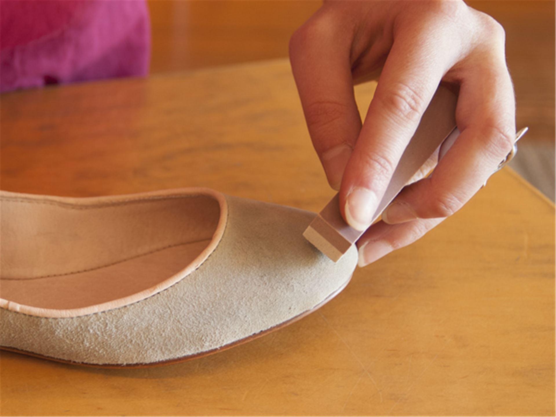 Чем почистить замшевые обувь в домашних условиях