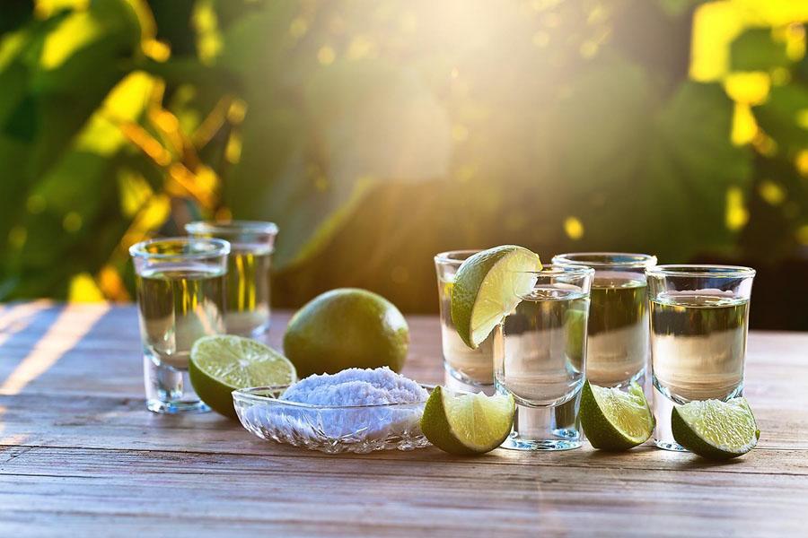 Секс с солью лимоном и текилой