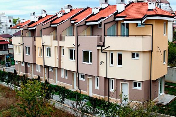 nedvizhimost-v-Bolgarii-taunhaus-v-Bolgarii-Bolgariya-dom-v-Bolgarii-kupit-nedvizhimost-v-Bolgarii-zarubezhnaya-nedvizhimostdom