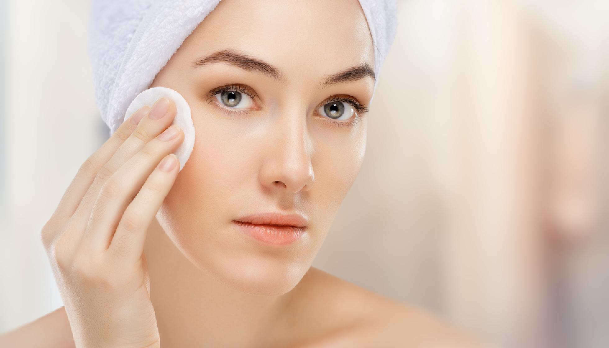 Снятие макияжа в домашних условиях