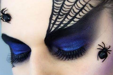 25495-makeup-blue-spiderweb-makeup