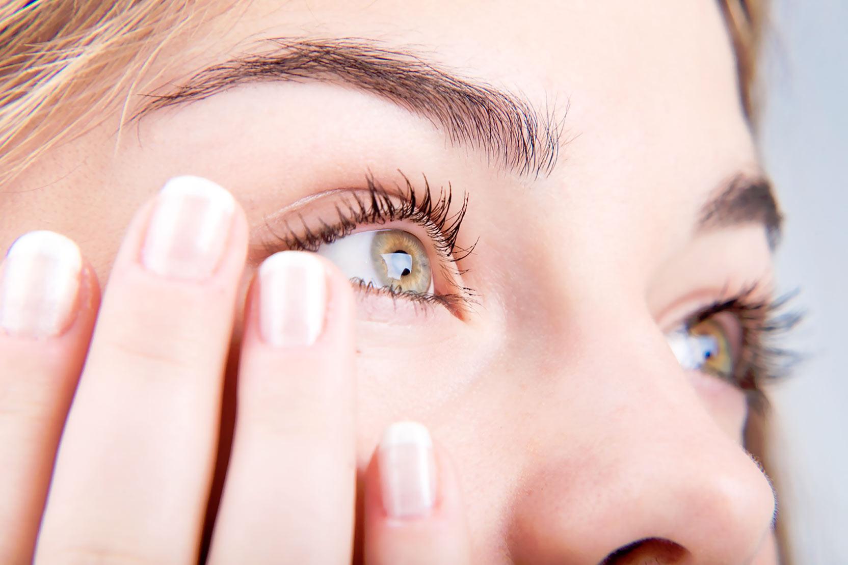 Как убрать желтизну глаз желтый налет на глазном яблоке