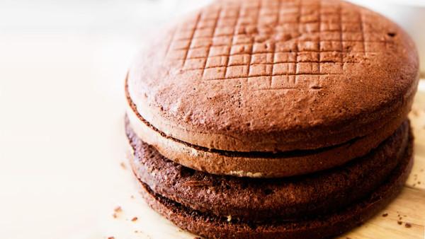 shokoladnyj-biskvit-recept-s-foto-1