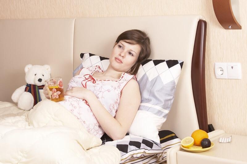 Чем убрать тошноту при беременности на ранних сроках