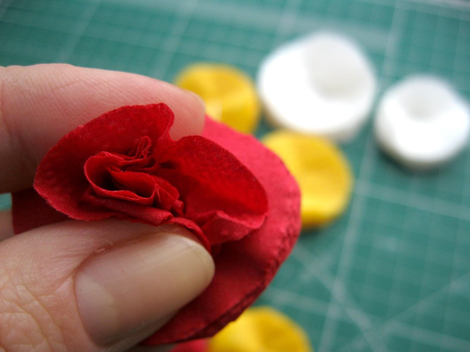Цветы из салфеток своими руками для начинающих 54