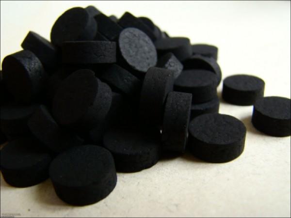 Уголь от глистов.